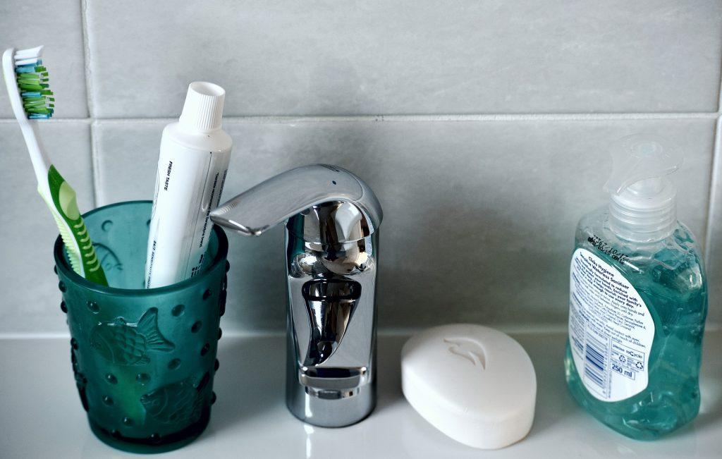 歯磨きの時にストレッチ